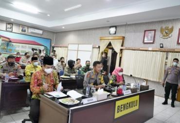 Sinergi Pemprov Bengkulu dan TNI-POLRI Tuntaskan Vaksinasi…