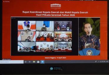 Presiden Jokowi Minta Kepala Daerah Permudah Izin Investasi…