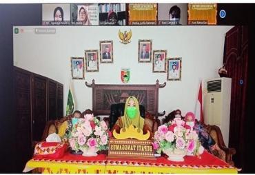 Bupati Dewi Handajani Ikuti Seminar Kepemimpinan Perempuan